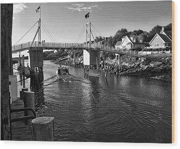 Heading To Sea - Perkins Cove - Maine Wood Print