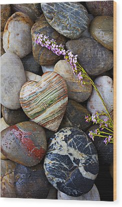 Heart Stone With Wild Flower Wood Print by Garry Gay
