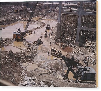 Heavy Equipment In The Mud Of Tennessee Wood Print by Everett