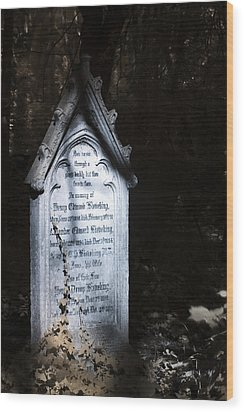 Hedera Wood Print