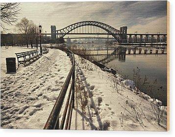 Hellgate Bridge In Winter Wood Print
