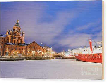 Wood Print featuring the photograph Helsinki By Night by Delphimages Photo Creations