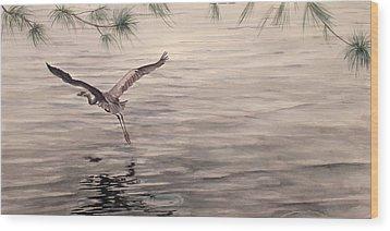 Heron In Flight Wood Print by Debbie Homewood