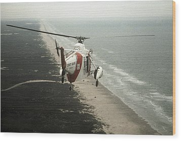 Hh-52a Beach Patrol Wood Print