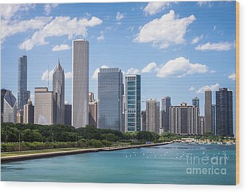 Hi-res Picture Of Chicago Skyline And Lake Michigan Wood Print by Paul Velgos