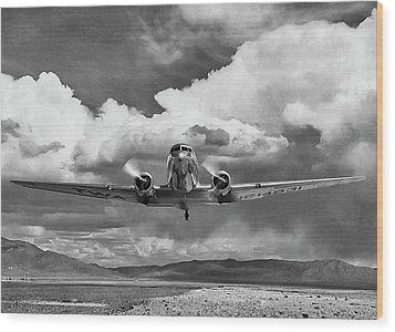 High Desert Dc-3 Wood Print by Peter Chilelli
