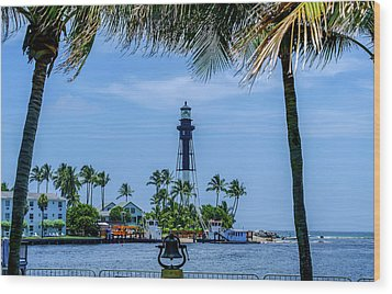 Wood Print featuring the photograph Hillsboro Inlet Lighthouse by Louis Ferreira