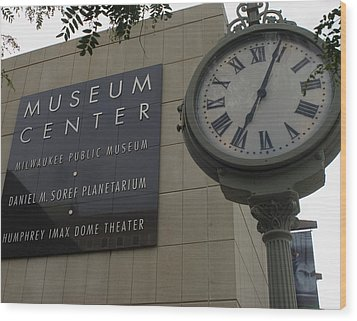 Historic Clock Keeps Time With Milwaukee Public Museum Wood Print