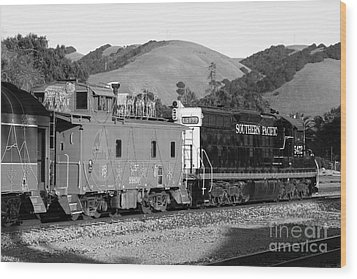 Historic Niles Trains In California . Southern Pacific Locomotive And Sante Fe Caboose.7d10843.bw Wood Print by Wingsdomain Art and Photography