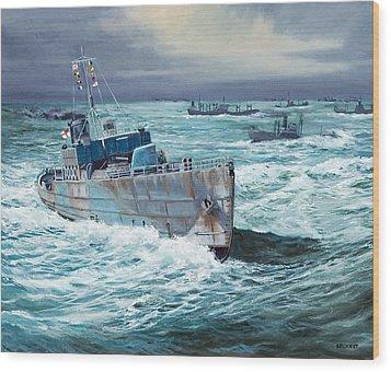 Hms Compass Rose Escorting North Atlantic Convoy Wood Print by Glenn Secrest