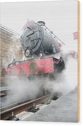Wood Print featuring the photograph Hogwarts Express Train by Juergen Weiss