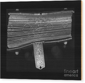 Holding Time - 2 Wood Print by Linda Shafer