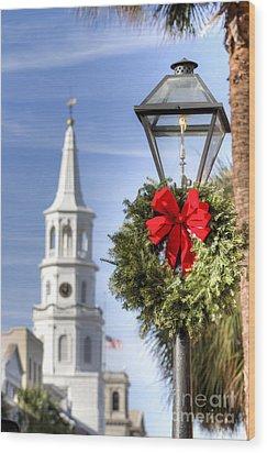Holiday Wreath St Michaels Church Charleston Sc Wood Print by Dustin K Ryan