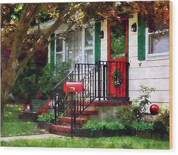 Home That Always Celebrates Christmas Wood Print by Susan Savad