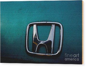 Honda Civic Hood Badge - Img4514 Wood Print by Wingsdomain Art and Photography