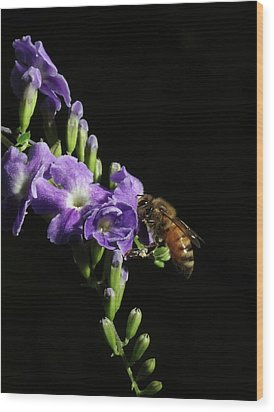 Wood Print featuring the photograph Honeybee On Golden Dewdrop by Richard Rizzo
