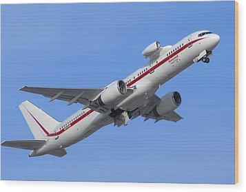 Honeywell 757 Engine Testbed N757hw Wood Print by Brian Lockett