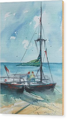Honolulu Catamaran Wood Print by Carolyn Zbavitel