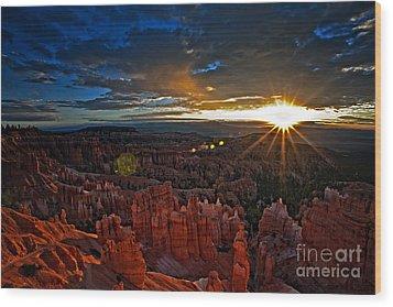 Hoodoos At Sunrise Bryce Canyon National Park Wood Print
