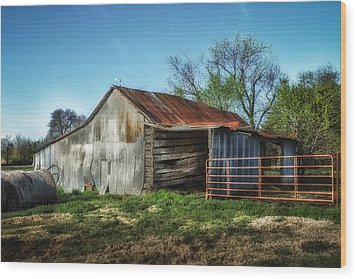 Horse Barn In Color Wood Print by James Barber
