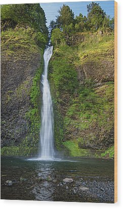 Horsetail Falls In Spring Wood Print by Greg Nyquist