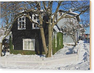 House In Reykjavik Iceland In Winter Wood Print by Matthias Hauser