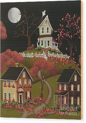 House On Haunted Hill Wood Print by Catherine Holman