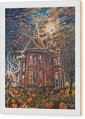 House On Pumpkin Hill Wood Print by William Vanya