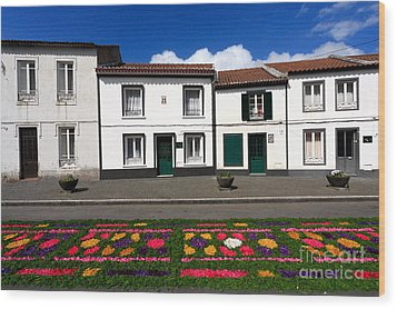 Houses In The Azores Wood Print by Gaspar Avila