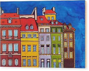 Houses In The Oldtown Of Warsaw Wood Print by Dora Hathazi Mendes