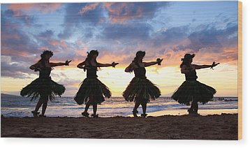 Hula At Sunset Wood Print