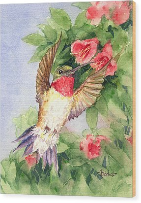 Hummingbird And Nectar Wood Print