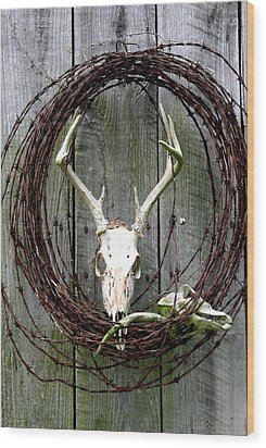 Hunters Wreath Variation Wood Print by Diane Merkle