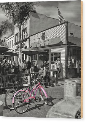 Huntington Beach Longboard Restaurant And Pub Wood Print by Rich Beer