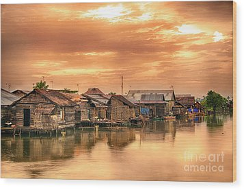 Wood Print featuring the photograph Huts On Water by Charuhas Images