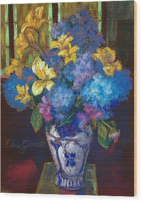 Hydrangeas And Daylilies Wood Print