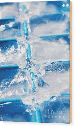 Ice Cubes Wood Print by Carlos Caetano