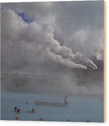 Iceland, Blue Lagoon, Grindavik, People Wood Print by Keenpress