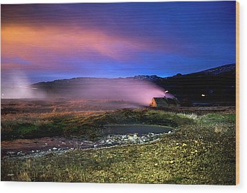 Wood Print featuring the photograph Icelandic Geyser At Night by Dubi Roman