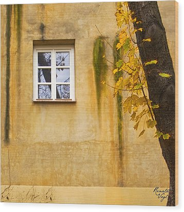 Ich Warte Unten Wood Print by Renata Vogl