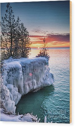 Wood Print featuring the photograph Icicle Cliffs by Mark David Zahn
