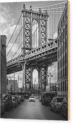 Iconic Manhattan Bw Wood Print