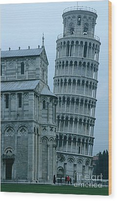 Impressive View Of The Cathedral Standing Alongside The Leaning Tower Of Pisa Wood Print by Sami Sarkis