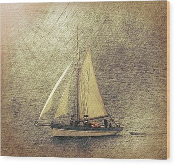 In Full Sail Wood Print by Lynn Bolt