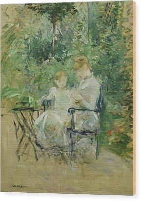In The Garden Wood Print by Berthe Morisot