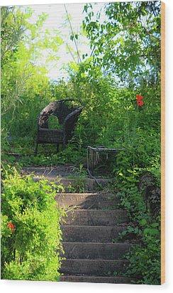 In The Garden Wood Print by Teresa Mucha