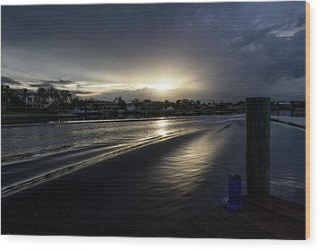 Wood Print featuring the photograph In The Wake Zone by Laura Fasulo