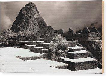 Inca Ruins Peru Machu Picchu Wood Print by Erik Poppke
