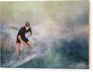 Wood Print featuring the photograph Incoming by Wallaroo Images