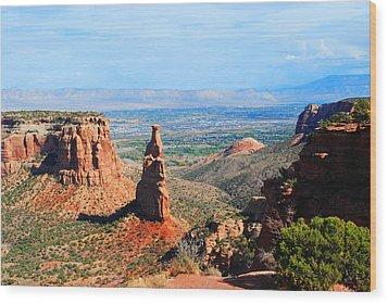 Independance Rock Wood Print by Deanne Smith
